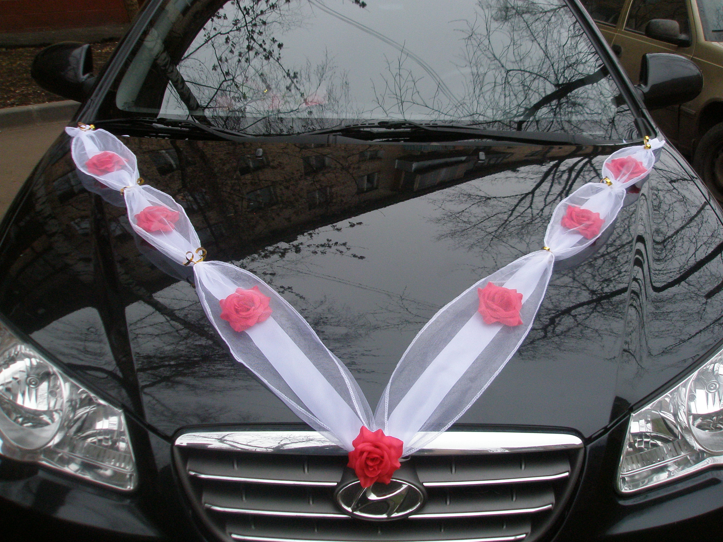 Украшение из фатина на машину своими руками на свадьбу